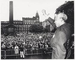 Nelson addressing crowd on George Square