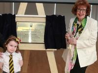 Bailie Liz Cameron with pupil Ruby and Ellen Beresford, first Garrowhil PS pupil